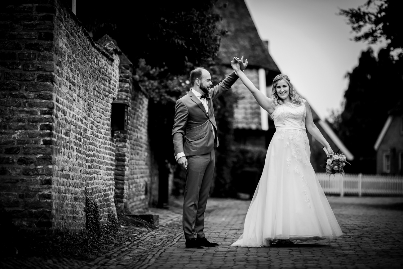 Robin en Tamara Website-0037-MK4_8312-Bruidsreportage Brummen - trouwen in Brummen de Bronckhorsthoeve
