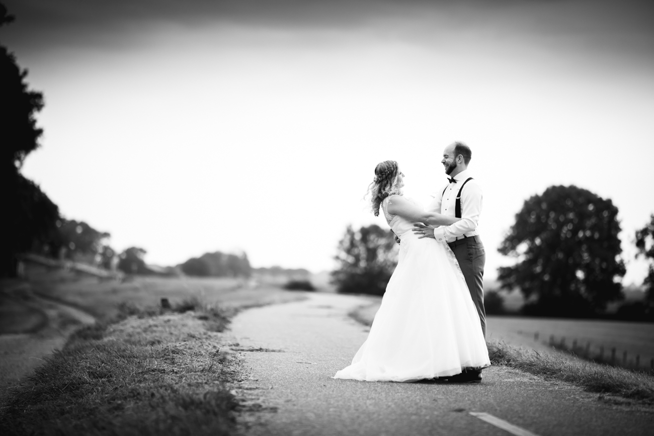 Robin en Tamara Website-0047-MK4_8470Bruidsreportage Brummen - trouwen in Brummen de Bronckhorsthoeve